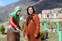ŞELALE - Özkürtün'e Kadın Eli Değdi Belde Rengarenk Oldu