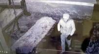 HAYIRSEVERLER - Sadaka Kutusunu Çalan Hırsız Kameraya Yakalandı