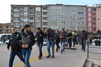 SABAH EZANı - Şafak Operasyonunda Yakalanan 31 Zehir Taciri Adliyeye Sevk Edildi