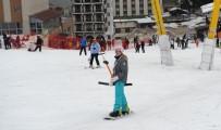 KAR KALINLIĞI - Uludağ'da Kar Kalınlığı 1 Metreye Ulaştı