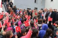 Vali Toprak'a Türk Bayraklı Karşılama