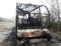 YOLCU OTOBÜSÜ - Atıl Durumdaki Otobüs Yandı