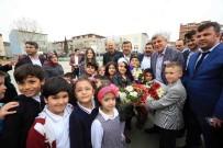 ÖMER KARAMAN - Başkan Karaosmanoğlu, Darıca Nene Hatun İlkokulunu Ziyaret Etti
