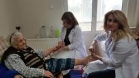 CİLT BAKIMI - Büyükçekmece Belediyesi'nden Yaşlılara Evde Kişisel Bakım Hizmeti