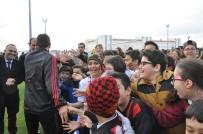 TEZAHÜRAT - Minik Öğrenciler Eskişehirspor'dan Galibiyet Sözü Aldı