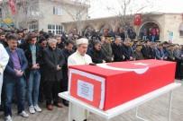 İL BAŞKANLARI - Şehit Uzman Onbaşı Özçelik Son Yolculuğuna Uğurlandı
