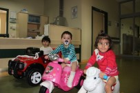 AKÜLÜ ARABA - Vücutları Yanan Çocuklar Acılarını Akülü Arabayla Unutuyor