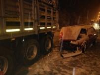 Yağışlı Hava Kazalara Yol Açtı Açıklaması 3 Yaralı
