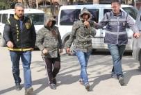 KADIN POLİS - Adana'da Evlerin Kapısını Açarak Hırsızlık Yapan Biri Hamile 4 Kadın Yakalandı