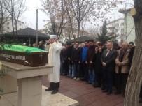 Ankara'da kazada ölen anne ve kızı son yolculuğuna uğurlandı!