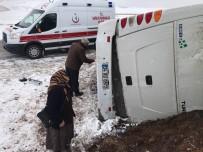 YOLCU MİDİBÜSÜ - Cenaze Dönüşü Kaza Açıklaması 2 Ölü, 5 Yaralı