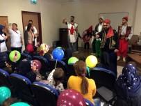 TİYATRO OYUNU - Hastanede Tedavi Gören Çocuklar İçin Tiyatro Düzenlendi