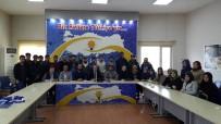 SEÇİLME HAKKI - Karadağ, Üniversiteli Gençlerle Buluştu