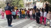 SÖNDÜRME TÜPÜ - Minik Öğrenciler Yangın Ve Deprem Tatbikatı Yaptı