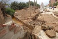 PEDRO - Peru'da Sel 62 Kişinin Ölümüne 12 Bin Evin Yıkılmasına Yol Açtı