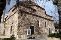 ADLİ TIP KURUMU - Sokakta Yaşayan Şahıs Cami Bahçesinde Öldü