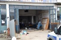 İLK MÜDAHALE - Tinerle Soba Yakmaya Çalışan 2 Kişi Yaralandı
