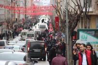 HAVA KUVVETLERİ - Yüzlerce Vatandaş Cumhurbaşkanı'nı Görmek İçin Caddeyi Doldurdu