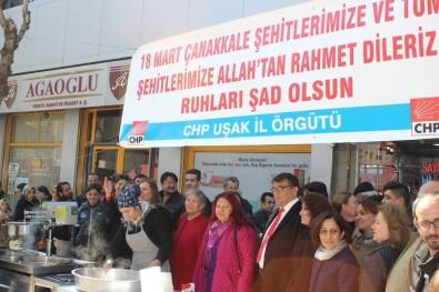CHP Uşak İl Örgütü Çanakkale Şehitleri İçin Lokma Dağıttı