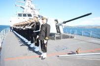 Deniz Kuvvetlerine Ait Gemiler Çanakkale Boğazında Resmi Geçit Töreni Yaptı