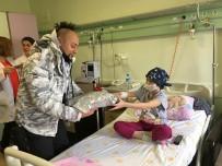 PIYANIST - Hayko Cepkin'den Minik Hastalara Ziyaret