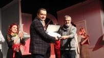 GENEL SANAT YÖNETMENİ - Karşıyakalı Tiyatrocular Bozcaada'yı Büyüledi