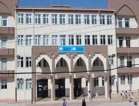 ŞIRINYER - Okulda büyük rezalet! Öğretmenlerden kız öğrencilere çıplak arama...