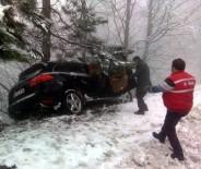 JEEP - (ÖZEL HABER) Karda Kayan Jeep Ağaca Çarparak Uçuruma Yuvarlanmaktan Kurtuldu