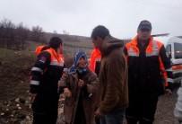 KURTARMA EKİBİ - Tunceli'de Kaybolan Yaşlı Kadın İle İntihara Teşebbüs Eden Şahsı AFAD Ekipleri Kurtardı