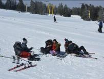 KAR KALINLIĞI - Uludağ'da kar kalınlığı 1 metreyi geçti