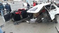 TRAFIK KAZASı - Van'da 2 Ayrı Trafik Kazası; 5 Yaralı