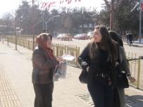 REKOR - AK Kadınlar Ev Ev Gezip Referandumu Anlatıyor