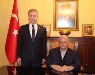Başbakan Yıldırım, 15 Temmuz Şehidinin Ailesini Ziyaret Etti