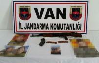 YARDIM VE YATAKLIK - Başkale'de Terör Operasyonu Açıklaması 7 Gözaltı