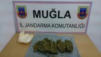 YOLCU OTOBÜSÜ - Çetibeli Jandarma Noktası Uyuşturucu Tacirlerine Geçit Vermiyor