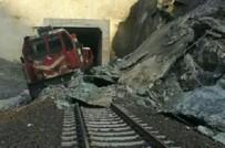 Elazığ'da Tren Raydan Çıktı
