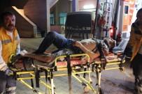 ESKIŞEHIR OSMANGAZI ÜNIVERSITESI - Eskişehir'de 4. Kattan Düşen Genç Ağır Yaralandı