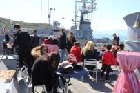 KIBRIS BARIŞ HAREKATI - Foça Deniz Üs Komutanlığına Ziyaretçi Akını