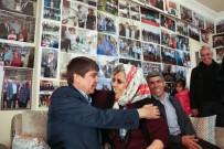 NOSTALJI - Hayranı Olduğu Başkanın 3 Bin Fotoğrafı Evinin Duvarlarını Süslüyor