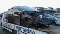 Kontrolden Çıkan Otomobil Bariyerlere Çarptı Açıklaması 1 Ölü, 4 Yaralı