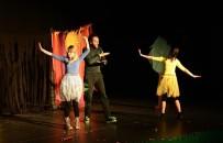 TÜRKAN SAYLAN - Maltepe Belediyesinden Çocuklara İngilizce Tiyatro Oyunu