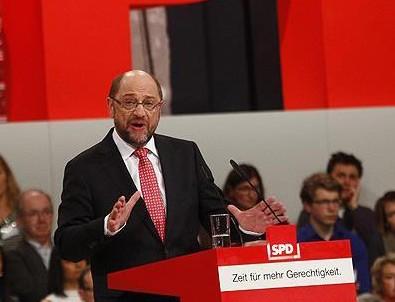 Martin Schulz genel başkan seçildi