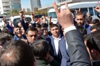 ÜLKÜ OCAKLARı - Meral Akşener Mersin'de Protesto Edildi
