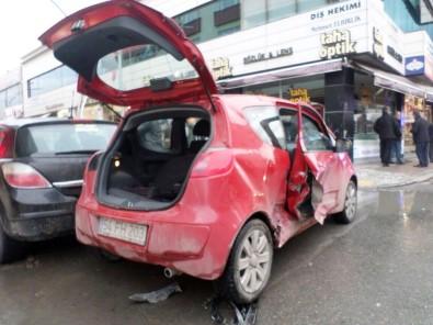 Sakarya'da Zincirleme Kaza Açıklaması 1 Yaralı