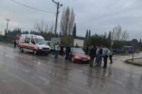 BURSASPOR - Taraftarları Taşıyan Otomobil Kamyonetle Çarpıştı Açıklaması 1 Yaralı