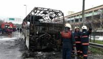 SERVİS ARACI - 15 Temmuz Demokrasi Otogarı Çıkışında Bir Otobüs Alev Alev Yandı