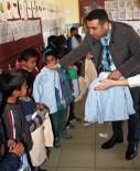 MUSTAFA KEMAL ÜNIVERSITESI - 150 Öğrenciye Kıyafet Yardımı Yapıldı