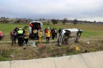 ÇANAKKALE ONSEKIZ MART ÜNIVERSITESI - Çanakkale'de Trafik Kazası Açıklaması 1 Ölü, 1 Yaralı