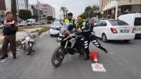 TRAFİK POLİSİ - Çarptıkları Polisi Yaralı Halde Bırakıp Kaçtılar