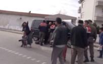 ARBEDE - Halı Hırsızları Gazetecilere Terlikle Saldırdı
